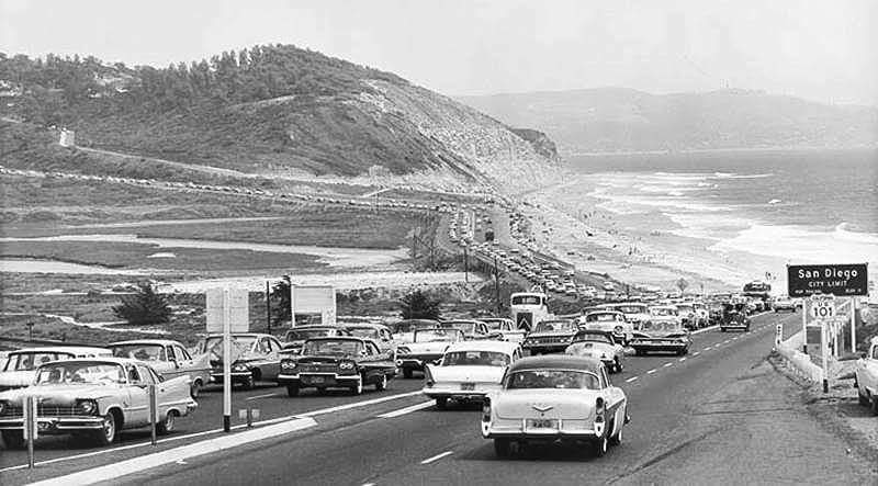 Northbound traffic passing by Los Peñasquitos Lagoon on Highway 101 in 1961. Photo from U.S. 101 Photo Gallery.